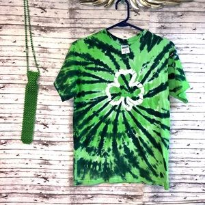 Size Small St Patrick's Day Tee & Beaded Tie
